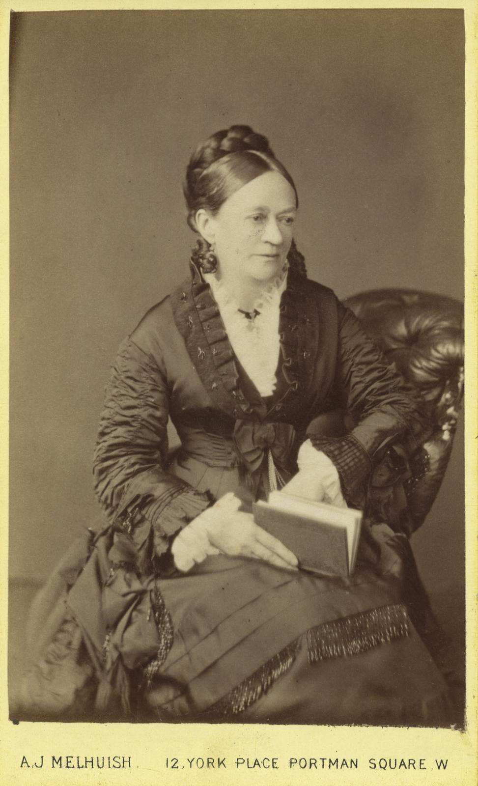 1865. Женский портрет