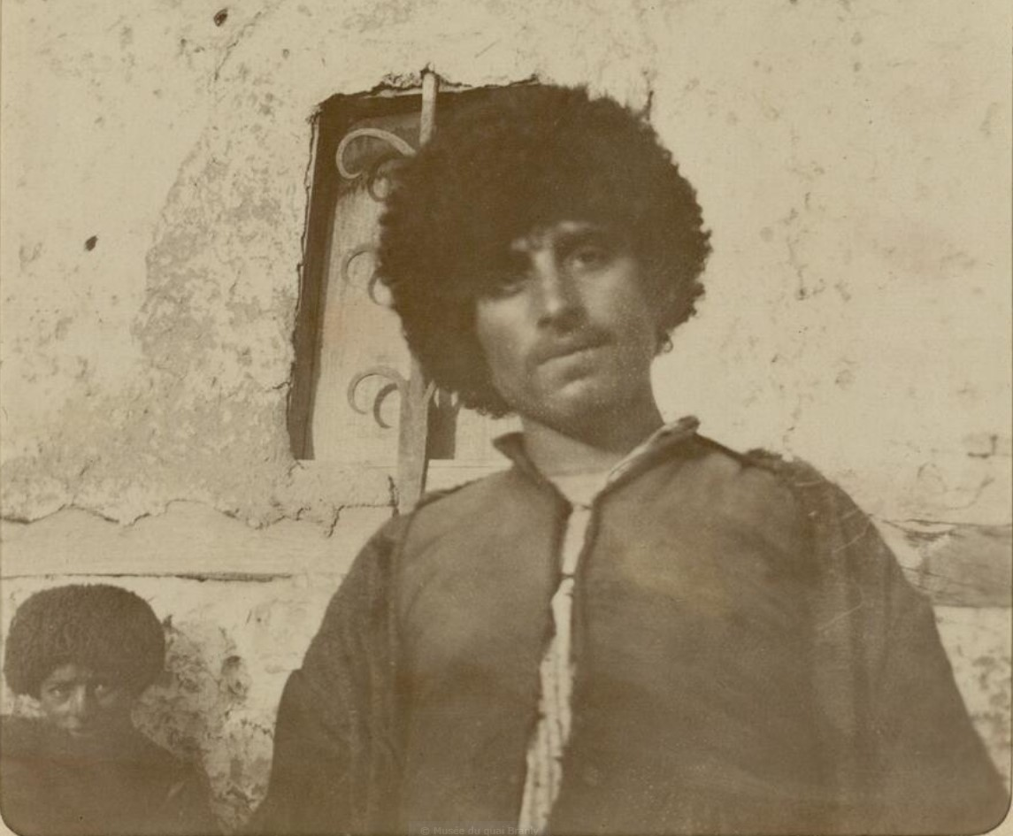 16. Окрестности Эривани. Курды