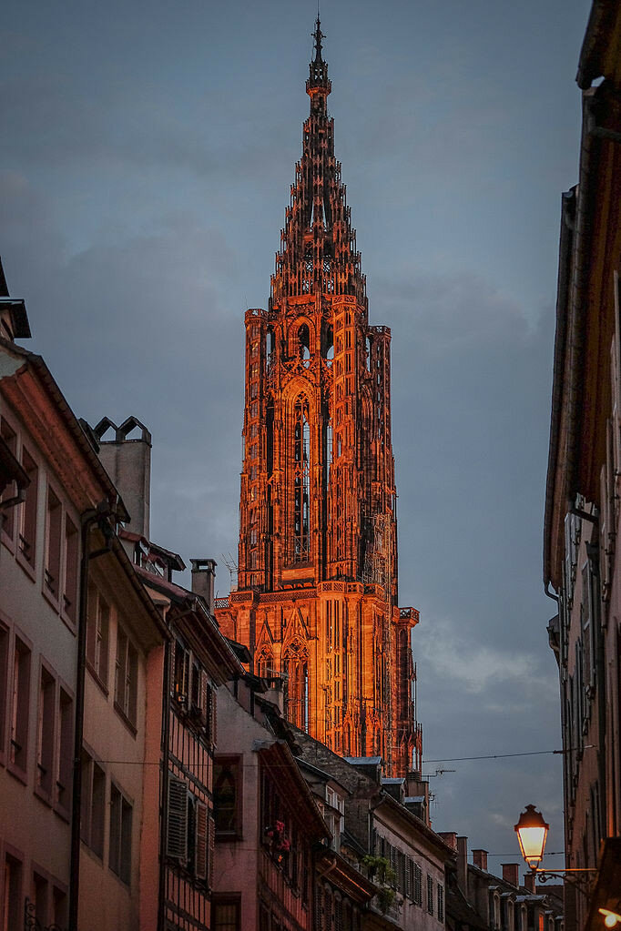 Strasbourg_Cathedral_(14236878632).jpg