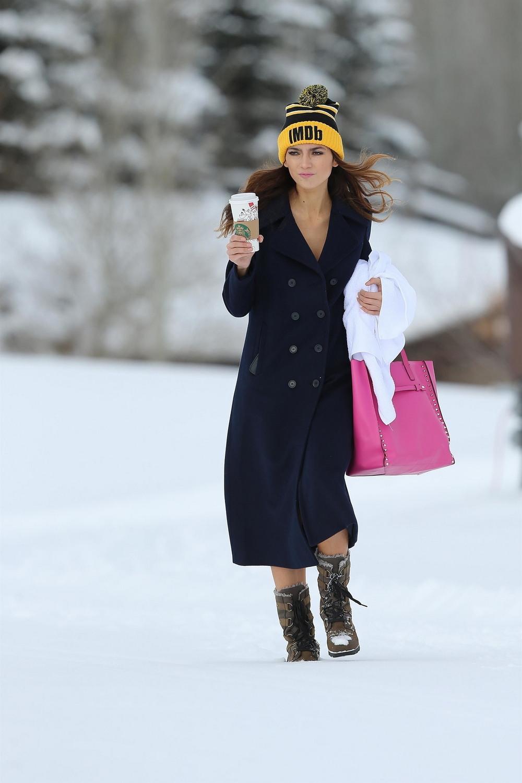 Бланка Бланко в бикини на снегу