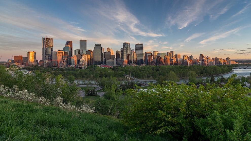 Город является одним из самых солнечных в Канаде — солнце в среднем светит там 2400 часов в год