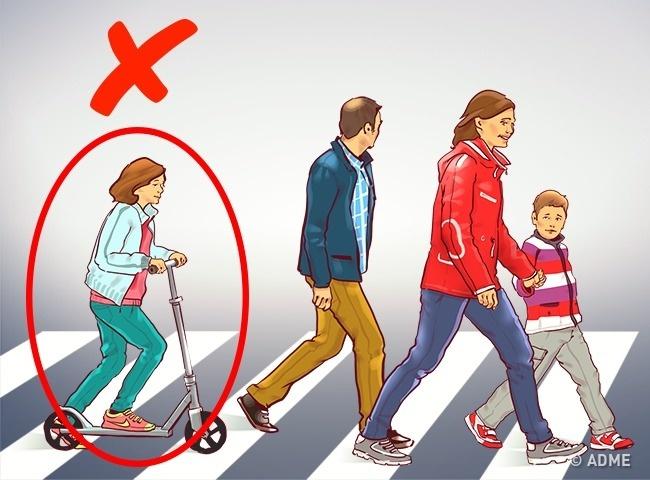 Неправильно: позволять ребенку двигаться поназемному переходу насамокате или велосипеде. Правильно