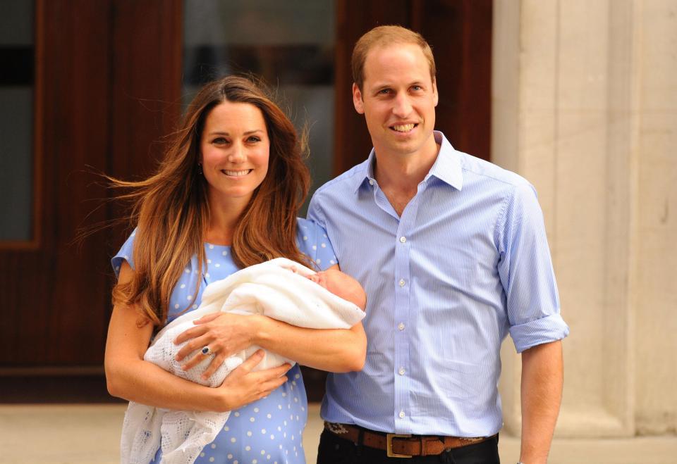 Рождение ребенка Кейт Миддлтон и принца Уильяма сместит его родного брата Гарри Уэльского при