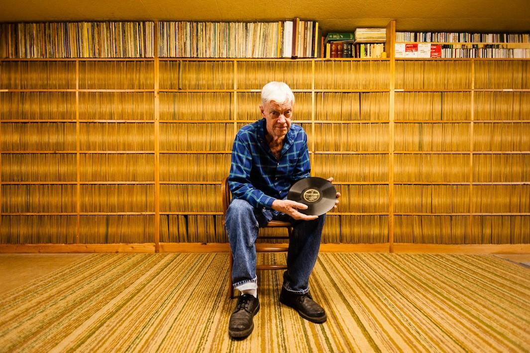 Невероятные коллекции виниловых пластинок и их владельцы (11 фото)