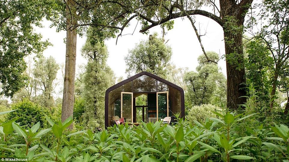 Собирается за 1 день, прослужит 100 лет: голландцы создали полнофункциональный дом из картона (14 фото)