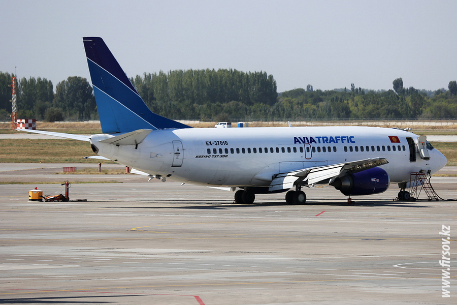 B-737_EX-37010_Aviatraffic_1_FRU_for4400.JPG