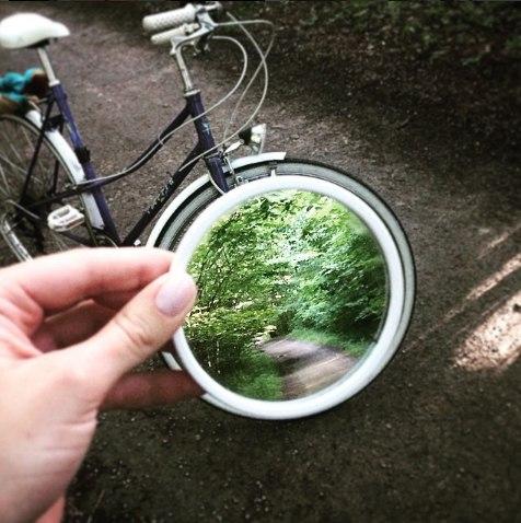 Зеркальные отражения в работах The Reflectionist