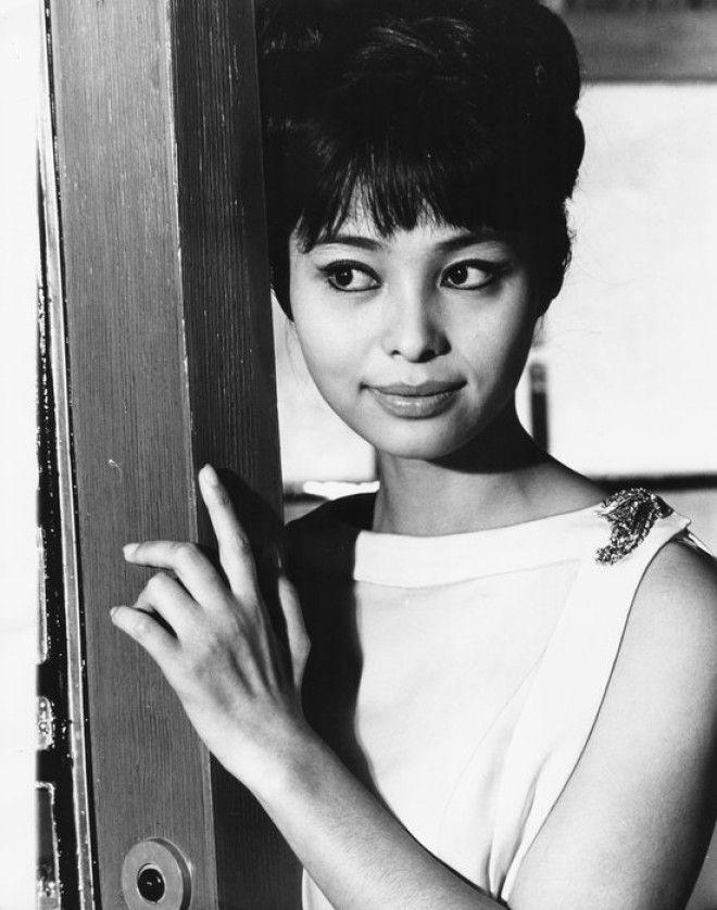 Фильм про Бонда стал последним в карьере японской красавицы. По ее собственным словам, она получила