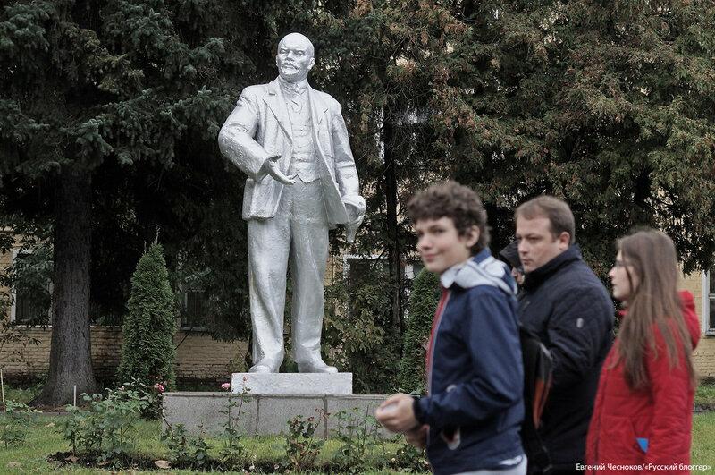 МАИ. памятник Ленину. 07.10.17.05..jpg