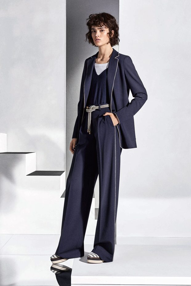 Discover MAX MARA Resort 2018 Collection