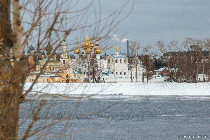 Воскресенский монастырь и церковь Рождества Иоанна Предтечи на Волге, Углич