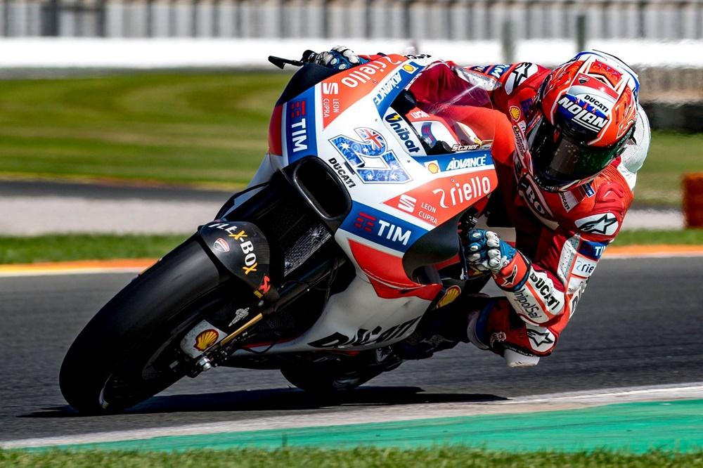 Кейси Стоунер тестирует Ducati в Валенсии