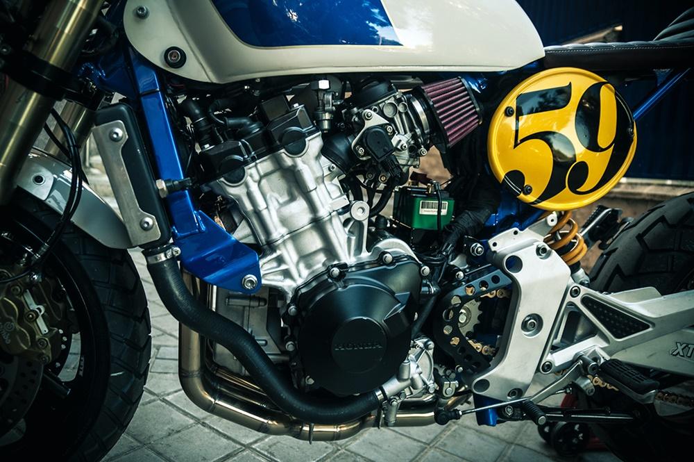 XTR Pepo: кафе рейсер Honda Hornet Sake Racer