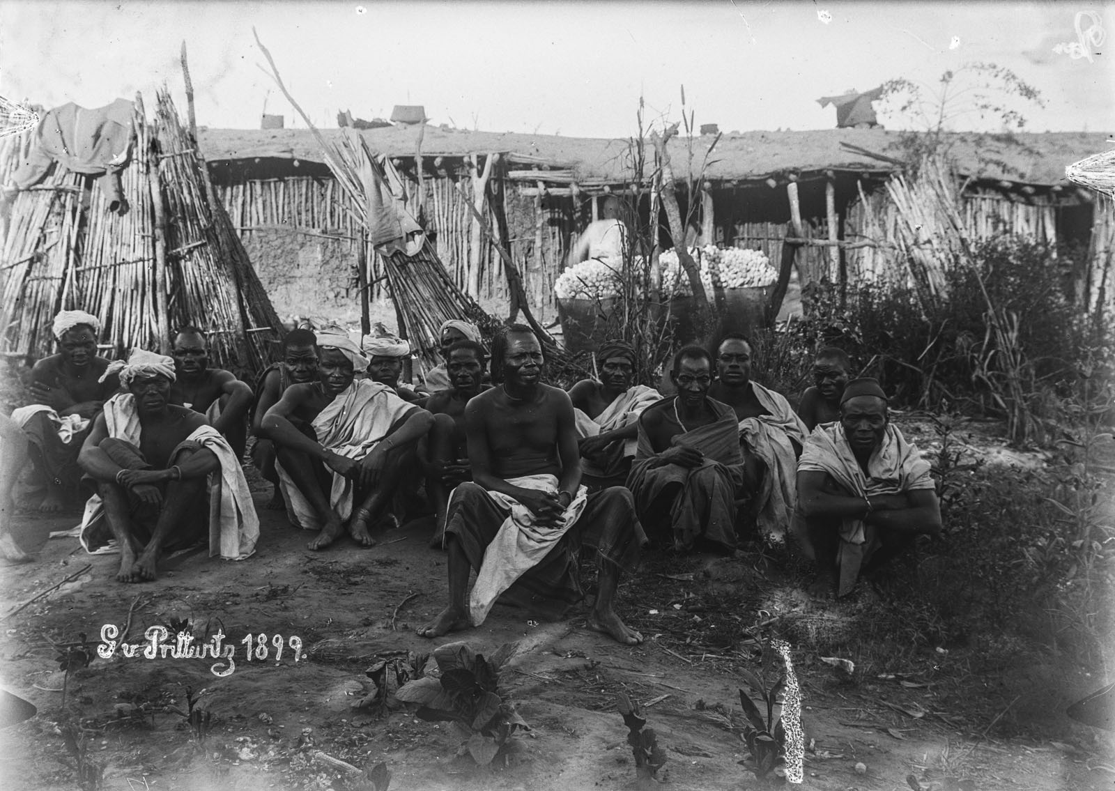 16. 1899. Портрет группы мужчин из Итимба