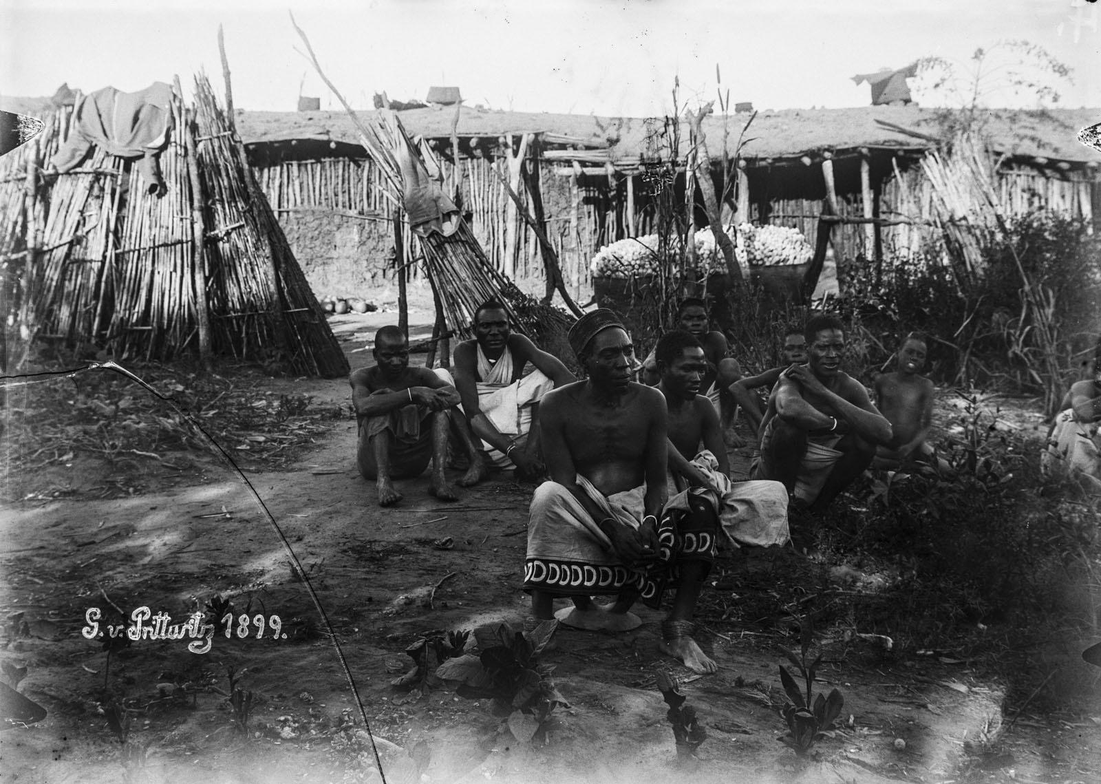 17. 1899. Портрет группы мужчин из Итимба