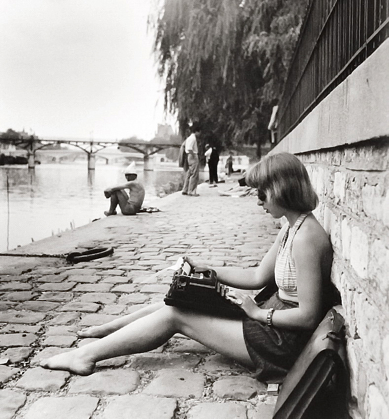Старомодный лэптоп. 1947-ой, Робер Дуано, (1912-1994) Robert Doisneau 1947 oldfashioned laptop
