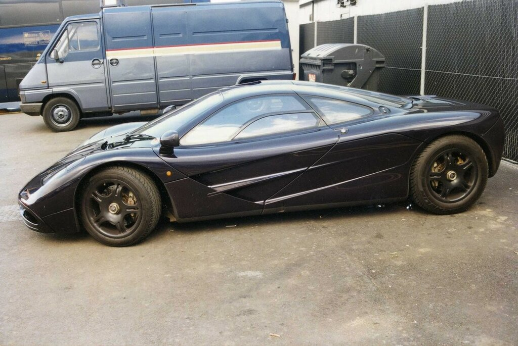 George Harrison's McLaren F1. I took these at Silverstone in 1997.jpg