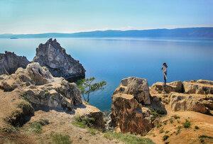 Юный фотограф на берегу