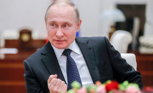 Путин: нынешнее поколение казаков с уважением относится к своему историческому наследию