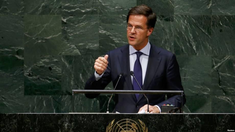 Премьер Нидерландов удержался на посту после лжи министра о встрече с Путиным