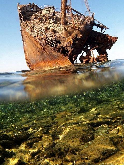 0 182c03 b598775 orig - На мели: фото брошенных кораблей