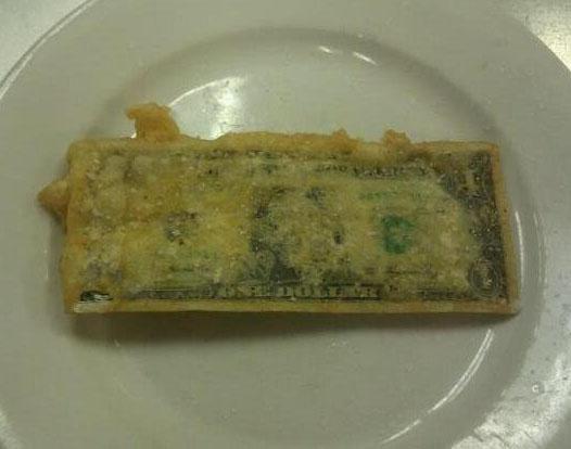 Жаренный во фритюре доллар.