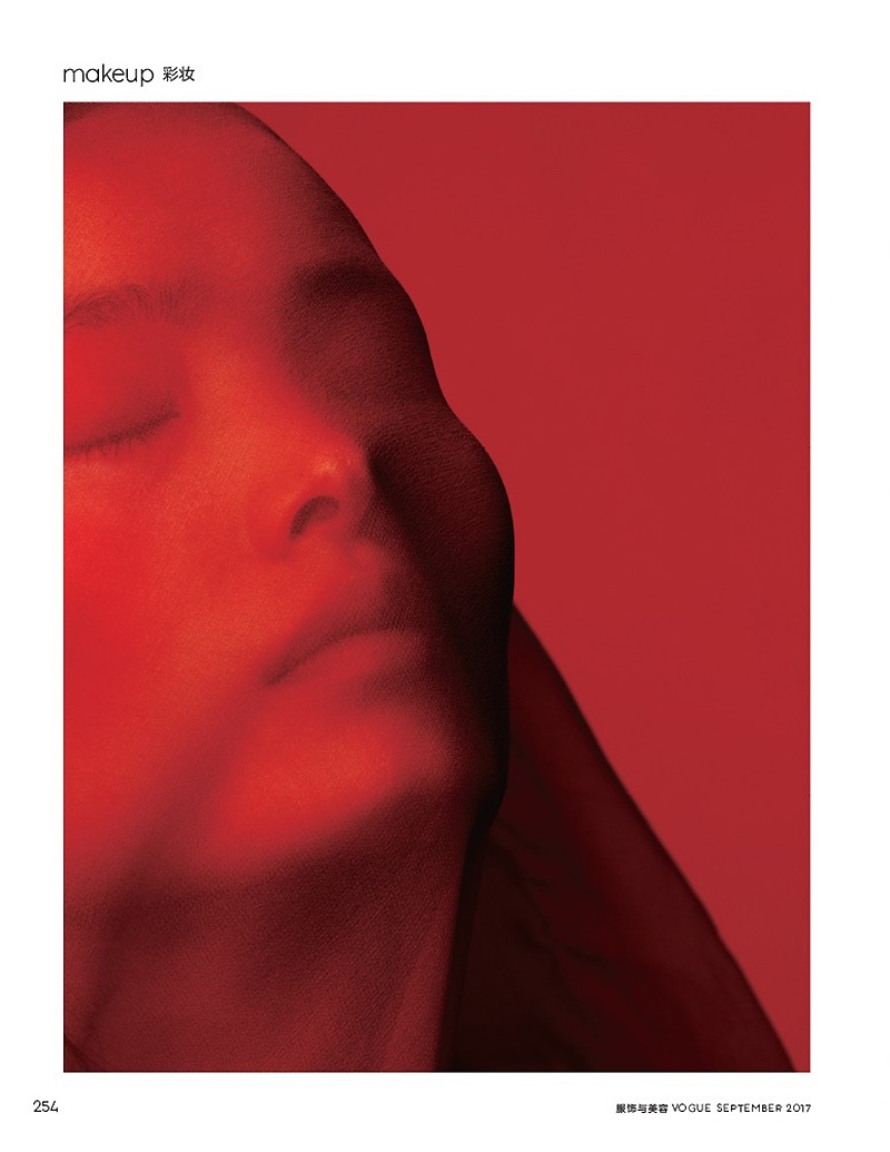 Линг Лю в фотосессии для китайского Vogue