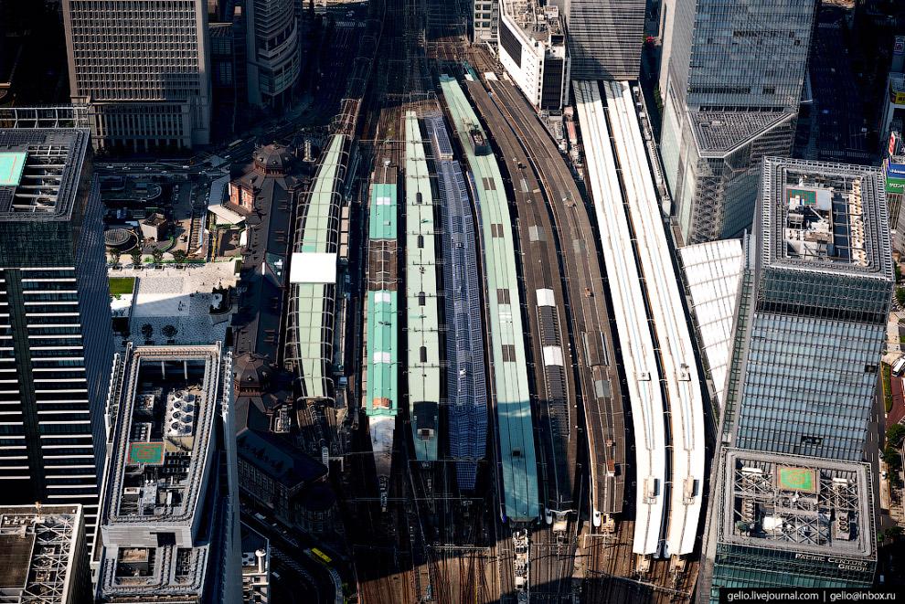 4. Станция Токио обслуживает также знаменитые японские «поезда-пули» «Синкансэн» (Shinkansen). Сеть