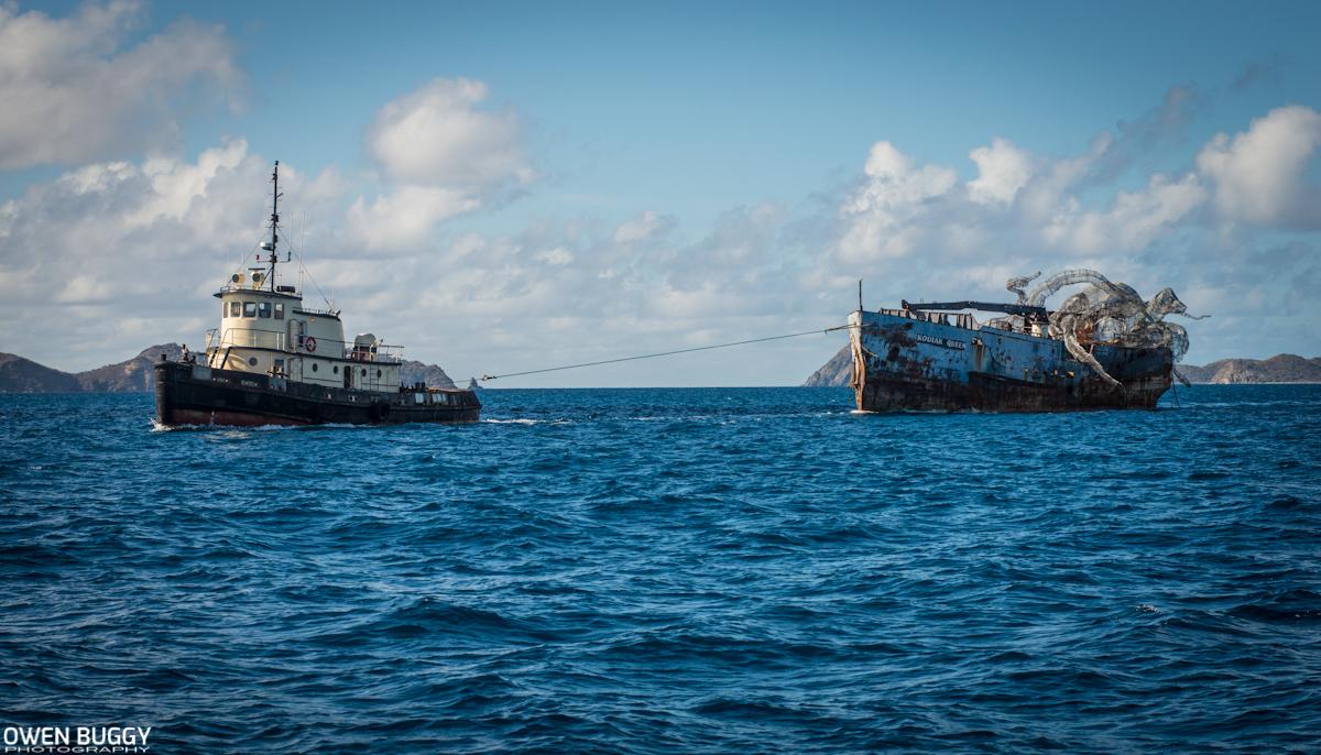 Kodiak, бывшая военно-морская топливная баржа, была обнаружена британским фотографом Оуэном Багги пр