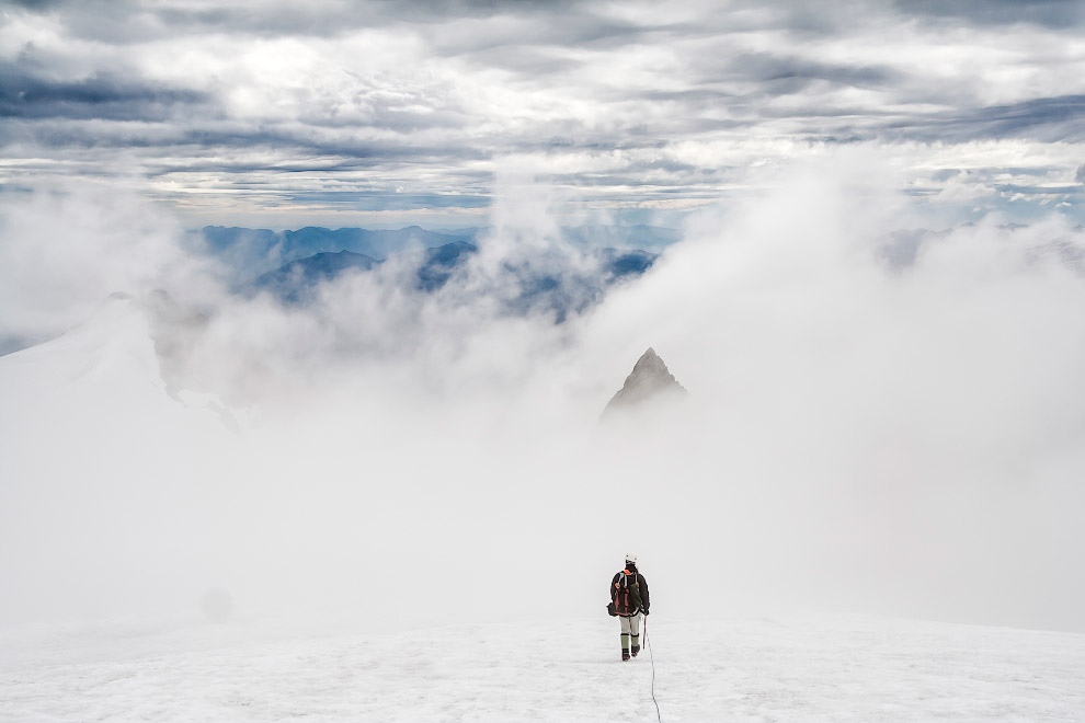 16. Лучи света пронзили облака в Колорадо. (Фото Phillip Noll):
