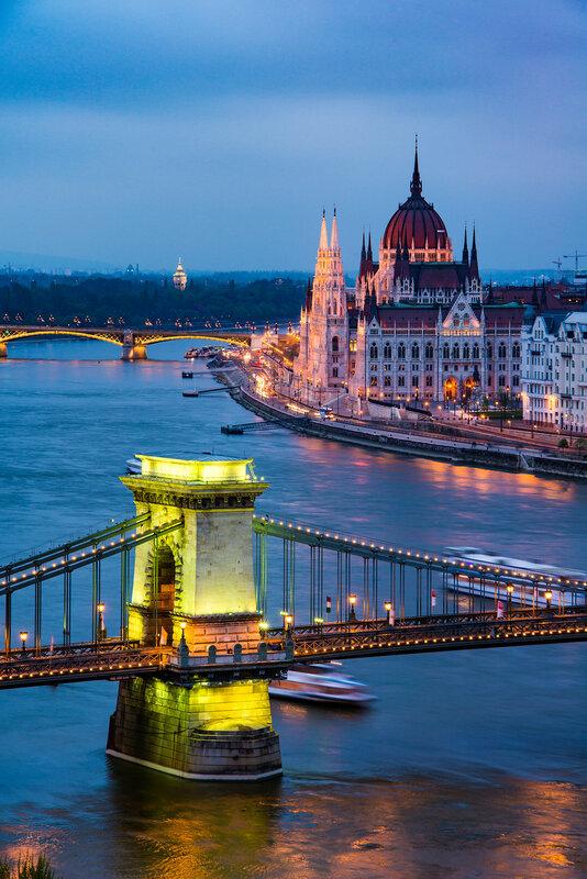 Будапешт, Венгрия, цепной мост, парламент