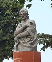Памятник_Насими_в_Шамахе.JPG