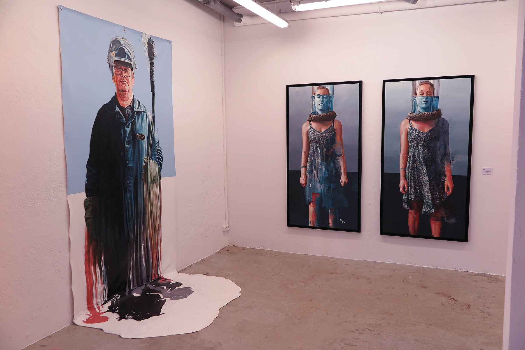 "Showing: Fintan Magee – ""Waves"" @ Galerie Mathgoth (7 pics)"