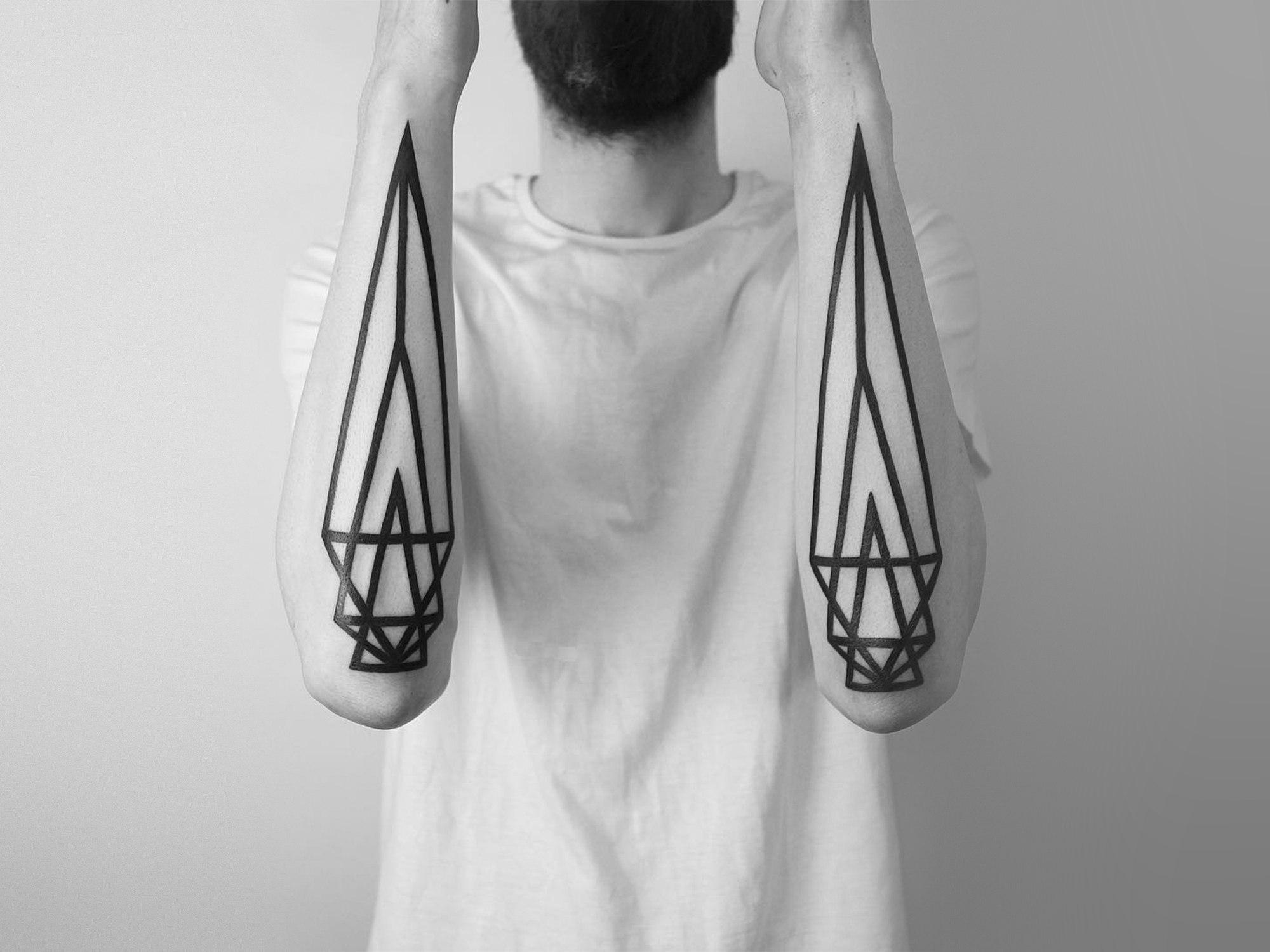 O minimalismo e a geometria das tatuagens de Malvina (9 pics)