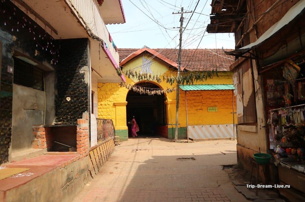 Храм Махабалешвар (Mahabaleshwar Shiva Temple) в Гокарне