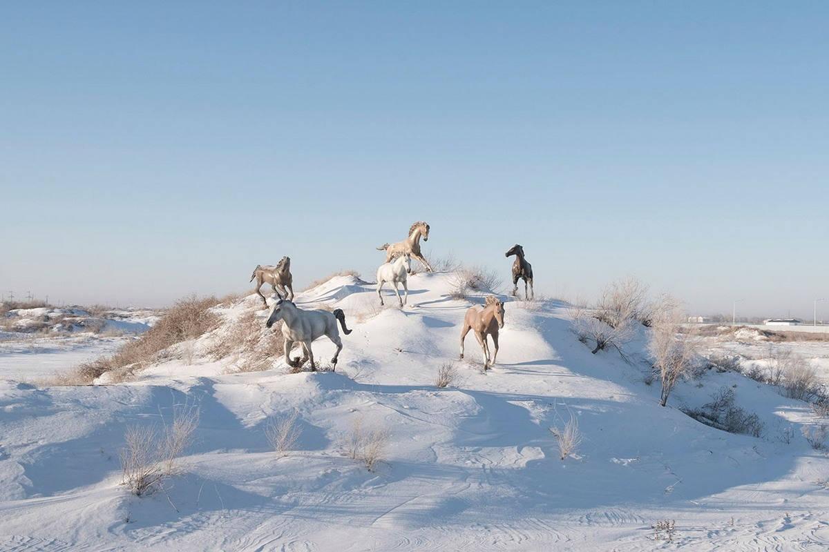 Зима у Аральского моря: жизнь поселка Тастубек в несезон