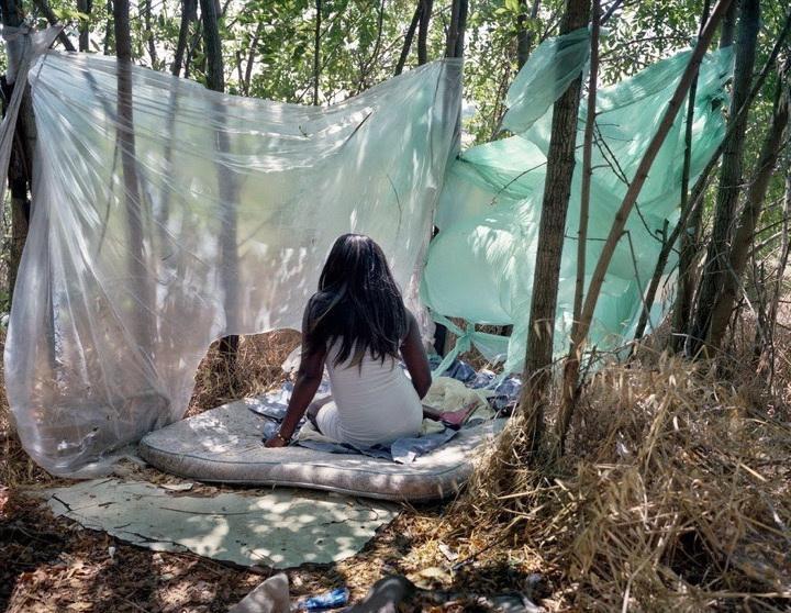 Кризис с проститутками в Италии (1 фото)