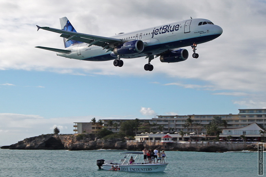 A-320_N649JB_JetBlue_Airways_1_SXM_for_zpse3326c5b.JPG