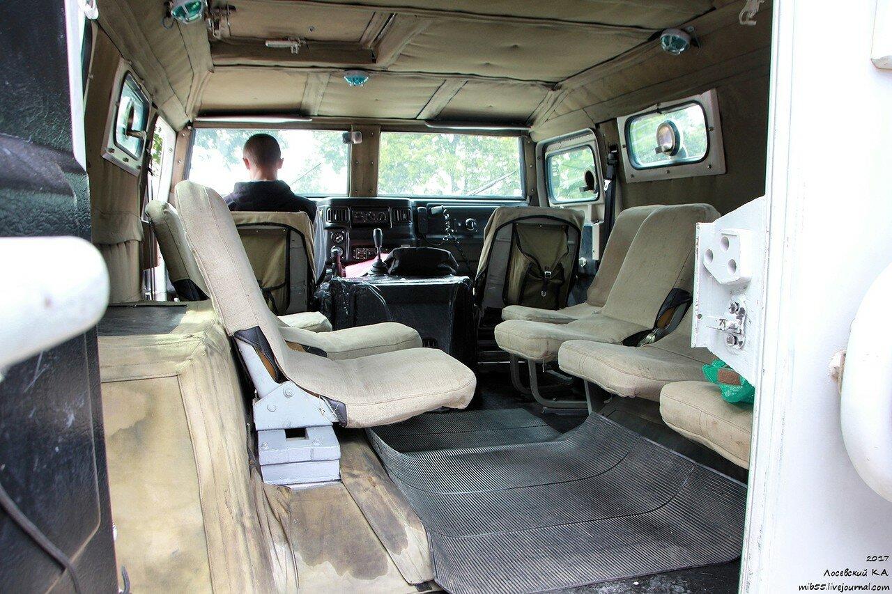 ГАЗ-233036 СПМ-2 6 салон.jpg