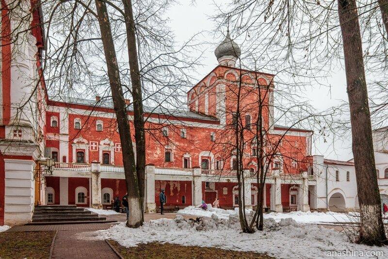 Симоновский корпус с церковью Рождества Христова, Архиерейский двор, Вологодский кремль, Вологда