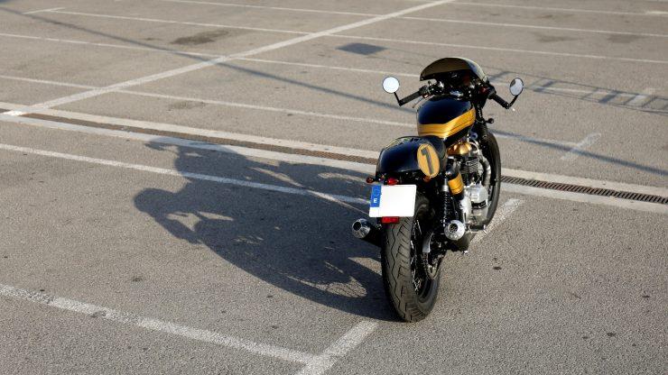 Tamarit Motorcycles: кафе рейсер Triumph Thruxton