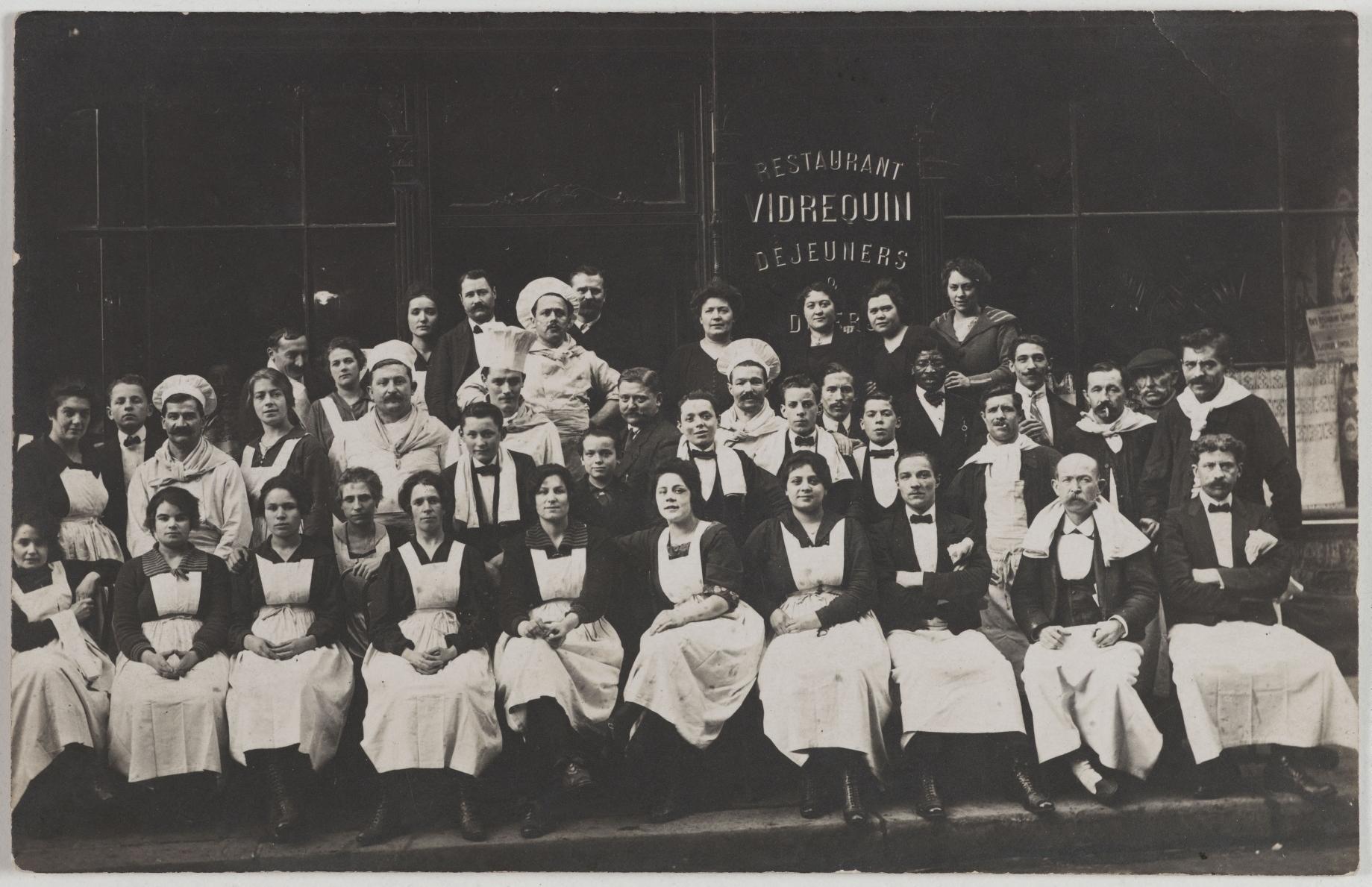 1914-1920. Ресторан. 116, rue de Provence (9-й округ). Сейчас на этом месте кабинет физиотерапевта-массажиста