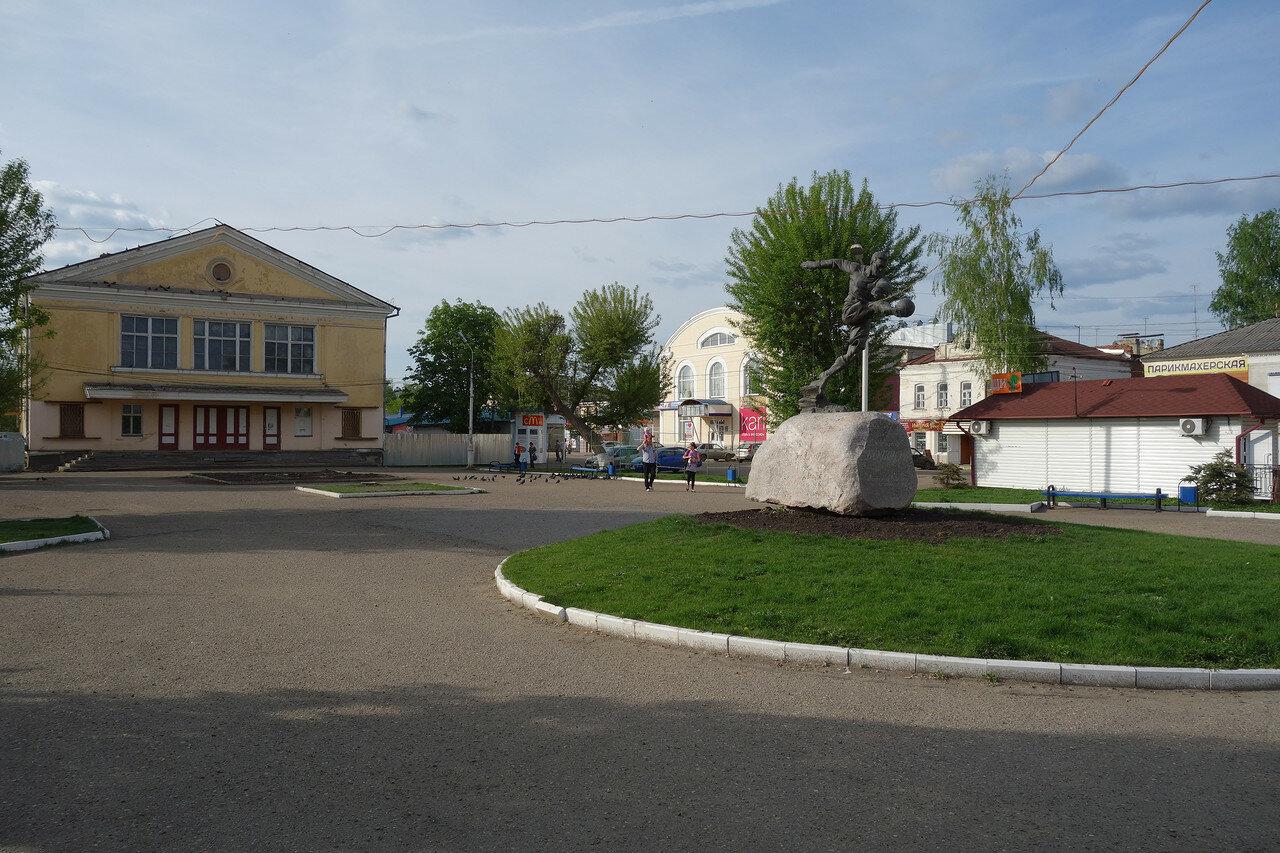 кинотеатр Октябрь и Всеволод Бобров