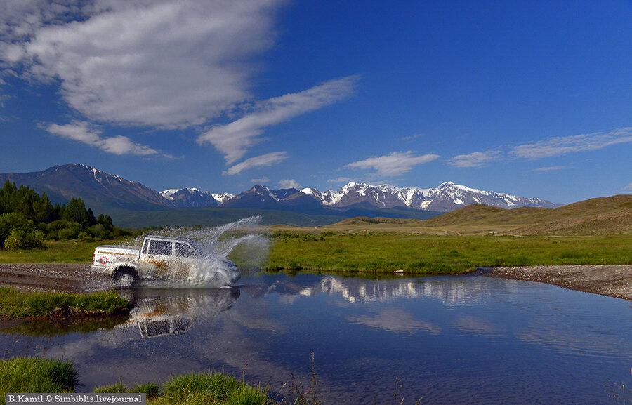 К подножию горы и к ледникам Актру