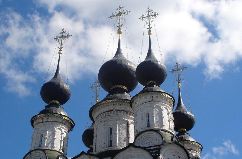 Суздаль. Купола церкви Св.Лазаря.