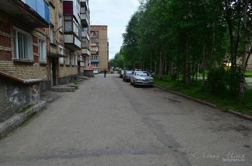 Фотография Инты №8081  Двор Воркутинской 2 и Воркутинская 8 02.07.2015_17:13