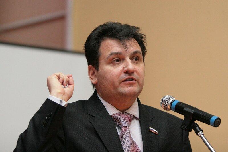 Олег Міхєєв: Я вас навчу Батьківщину любити!