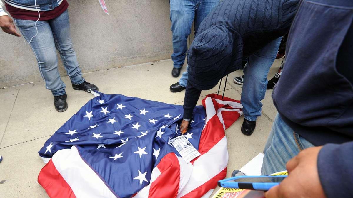 Конец полицейскому государству: Массовые протесты и уличные погромы в Балтиморе (США) (39)