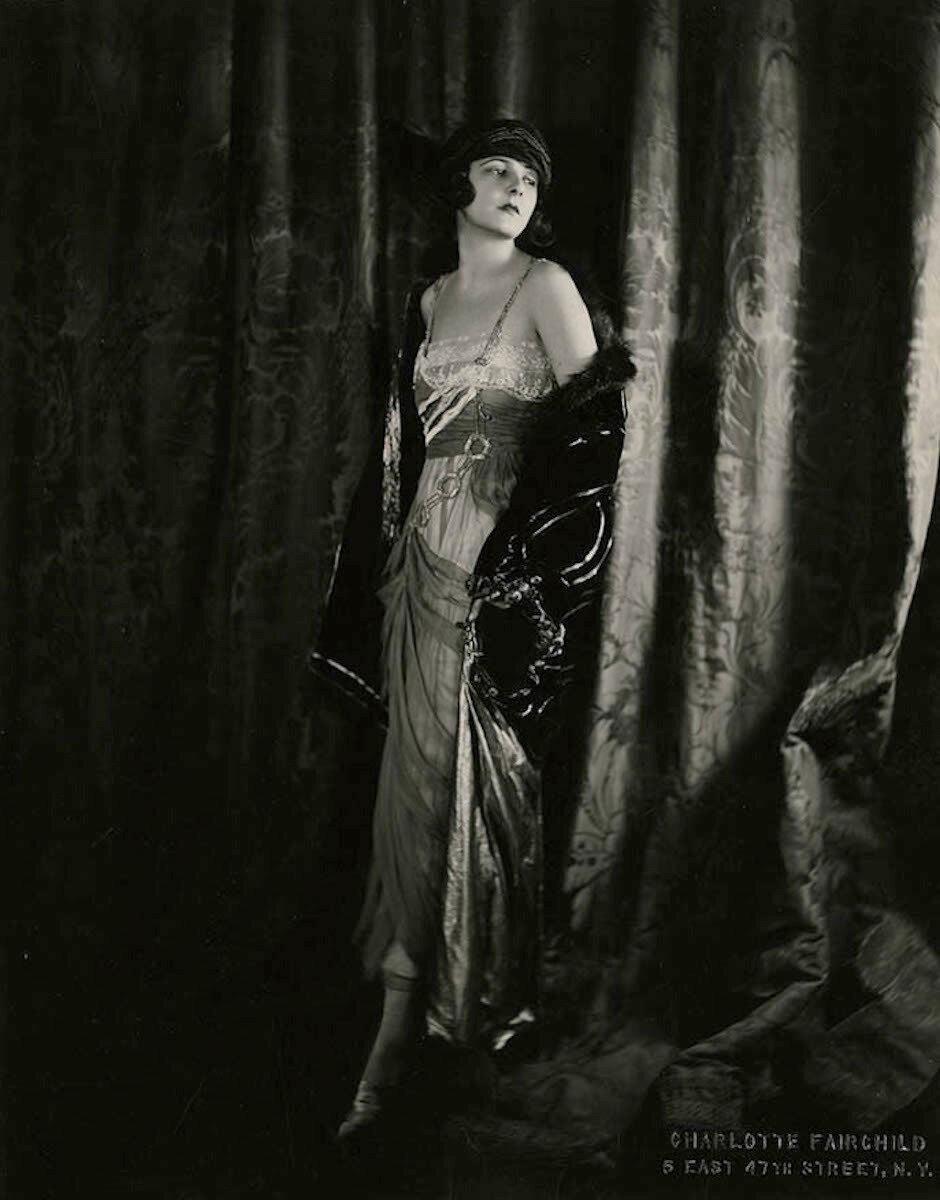1920-е. Норма Толмедж