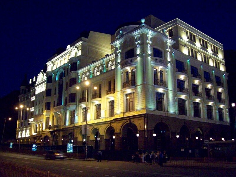 Новый дом на Владимирском спуске